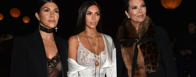Kourtney Kardashian, Kim Kardashian und Kris Jenner vor dem Raubüberfall in Paris