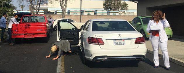 Lady Gaga nach erfolgreicher Fahrprüfung