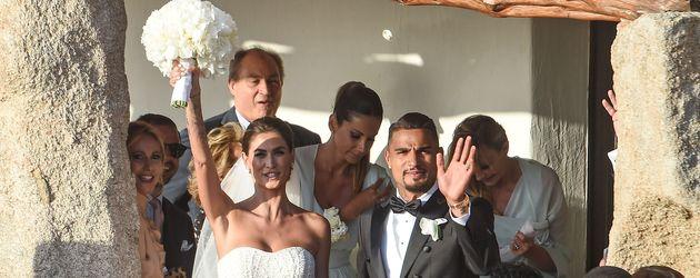 Melissa Satta und Kevin Prince Boateng nach ihrer Trauung in Porto Cervo