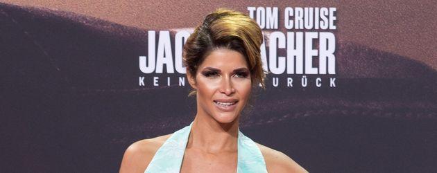 """Micaela Schäfer bei der """"Jack Reacher - Kein Zurück""""- Premiere in Berlin"""