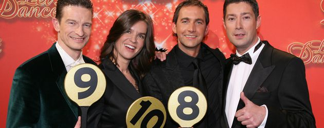 "Michael Hull, Katarina Witt, Markus Schöffl und Joachim Llambi bei ""Let's Dance"" 2006"