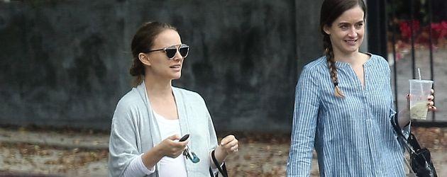 Natalie Portman mit einer Freundin beim Shoppen in Los Feliz
