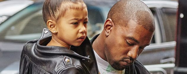 "North West und ihr Papa Kanye West auf dem Weg zum Broadway-Musical ""The Lion King"""