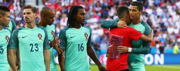 Photobomber bei der Fussball-EM 2016: Portugal vs Wales