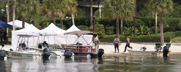 Polizeisuche am Strand des Disney Resorts