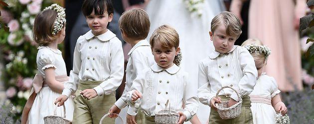 Prinz George (Mitte) bei der Middleton-Hochzeit in Englefield