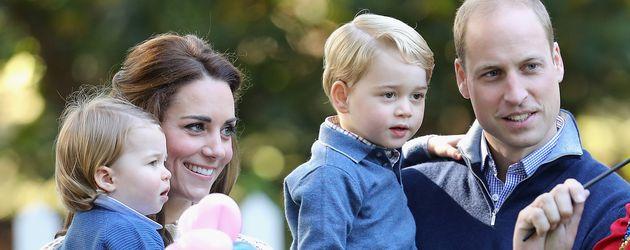 Prinz William und Herzogin Kate mit ihren Kindern George und Charlotte in Kanada