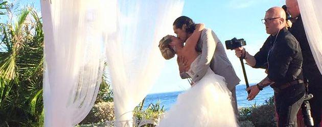 Rebecca Kratz und Ehemann Julio bei ihrer Hochzeit