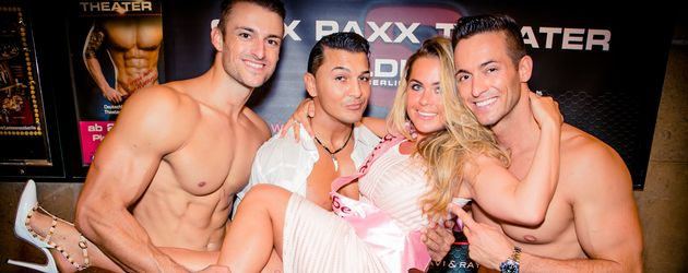 Rebecca Kratz mit den SixxPaxx