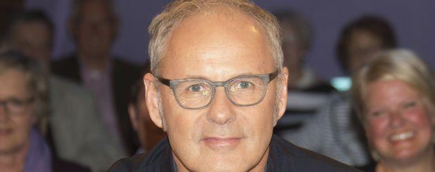 Moderator Reinhold Beckmann als Gast bei der NDR-Talkshow