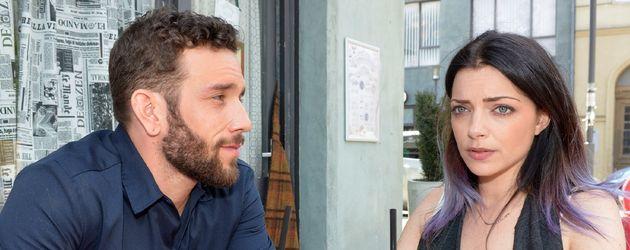 Roberto (Sascha Pederiva) und Emily (Anne Menden)