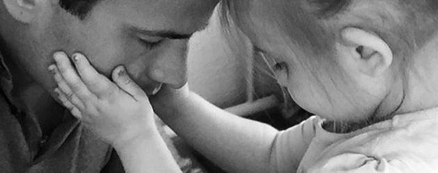 Rocco Stark mit seiner kleinen Tochter Amelia