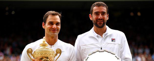 Roger Federer und Marin Cilic nach dem Final-Match in Wimbledon
