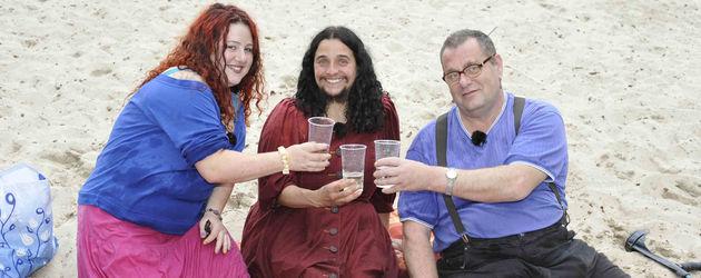 Schwer verliebt: Mariam, Mila und Ingo am Strand