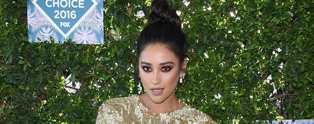 Shay Mitchell bei den Teen Choice Awards 2016