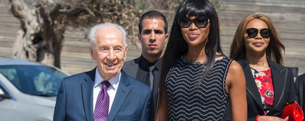 Shimon Peres und Model Naomi Campbell
