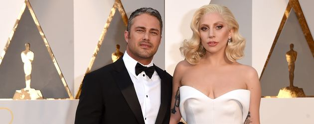 Taylor Kinney und Lady Gaga bei der Oscar-Verleihung 2016