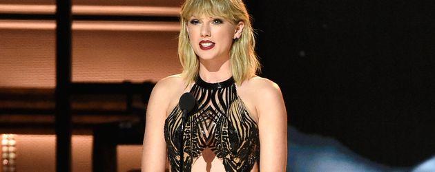 Taylor Swift bei den CMA Awards 2016 in Nashville