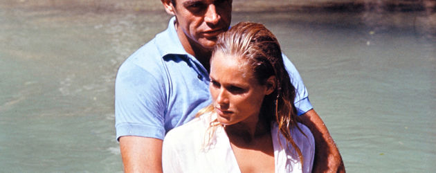 Ursula Andress als Bondgirl mit Sean Connery