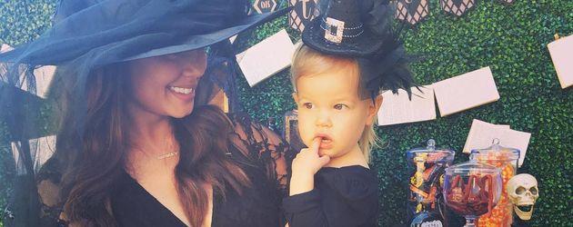 Vanessa Lachey mit Töchterchen Brooklyn auf einer Halloween-Party