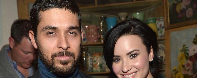 Wilmer Valderrama und Demi Lovato bei einer Party von Nick Jonas